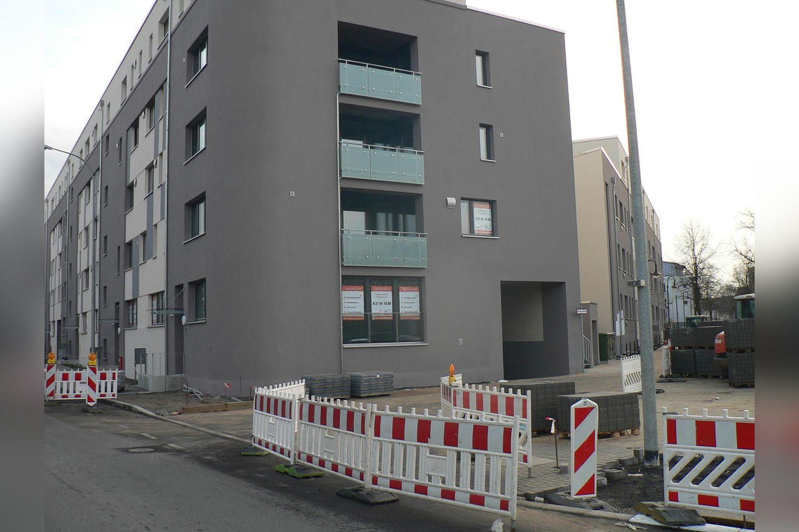 Immobilie Nr.Hilden 10 + 11 - Für Büro-Praxis-Service-Dienstleistung in absoluter Werbelage! - Bild main.jpg