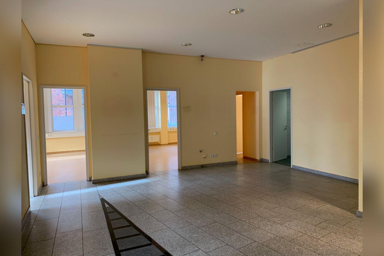 Immobilie Nr.112 - Büro- oder Praxisfläche für Dienstleistung, Medizin, Verwaltung  - Bild 10.jpg