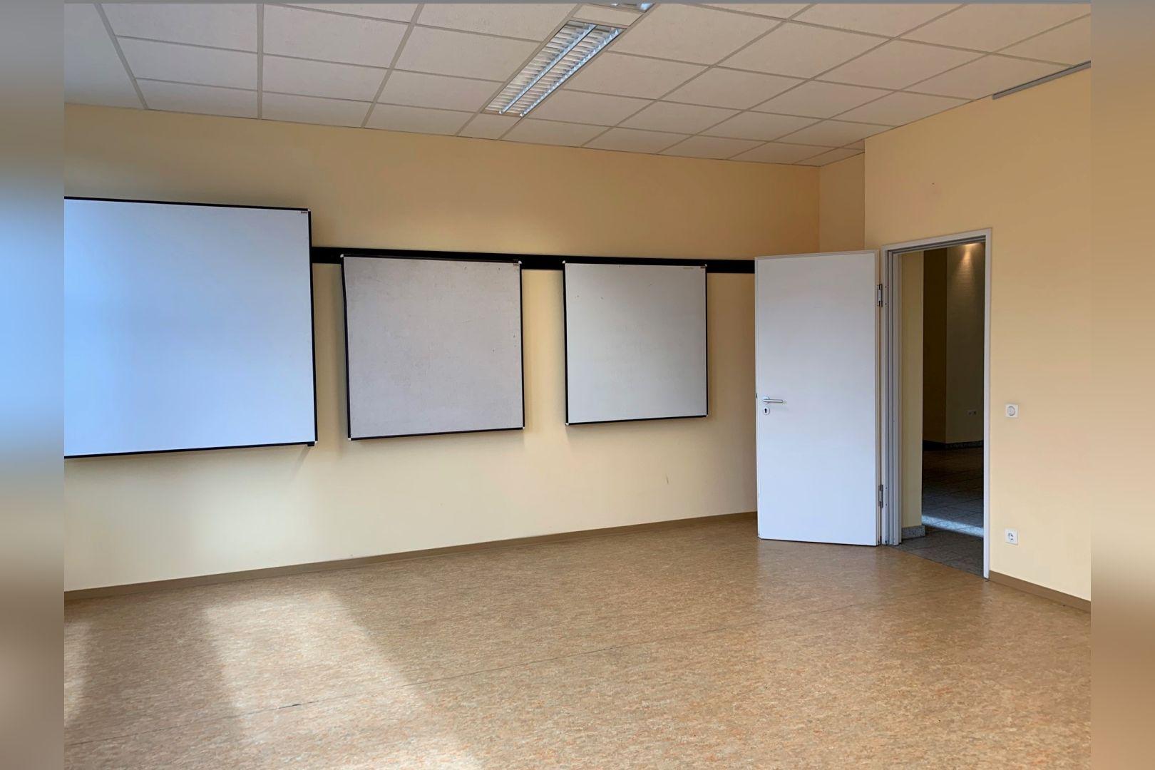 Immobilie Nr.112 - Büro- oder Praxisfläche für Dienstleistung, Medizin, Verwaltung  - Bild 16.jpg