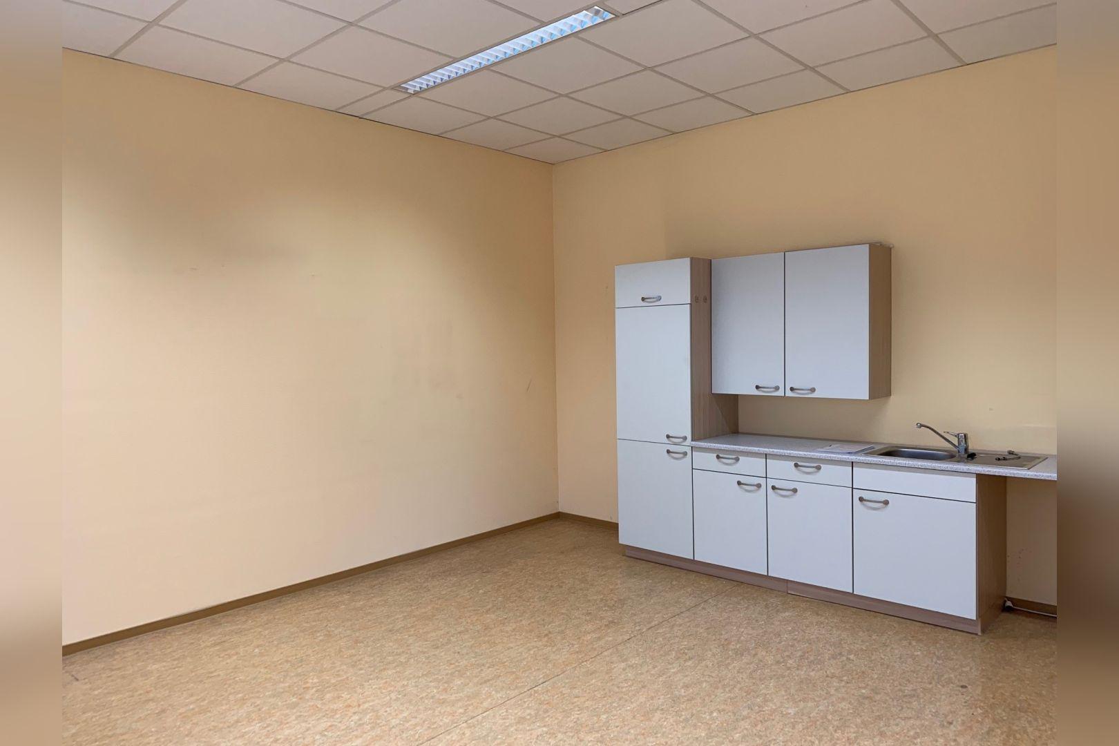 Immobilie Nr.112 - Büro- oder Praxisfläche für Dienstleistung, Medizin, Verwaltung  - Bild 18.jpg