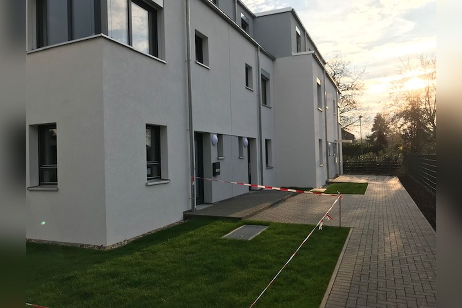 Immobilie Nr.BÖ-000 - Energieeffizientes Neubauquartier mit 20 Wohneinheiten und TG - Bild 16.jpg