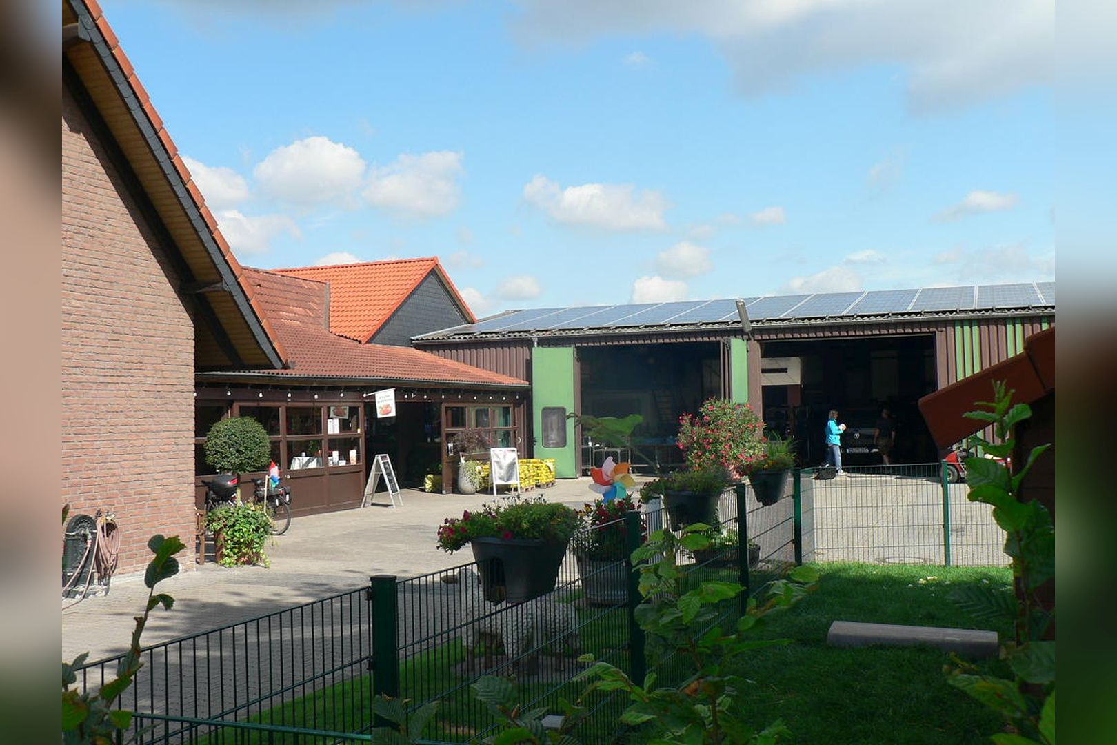 Immobilie Nr.BÖ-000 - Energieeffizientes Neubauquartier mit 20 Wohneinheiten und TG - Bild 3.jpg