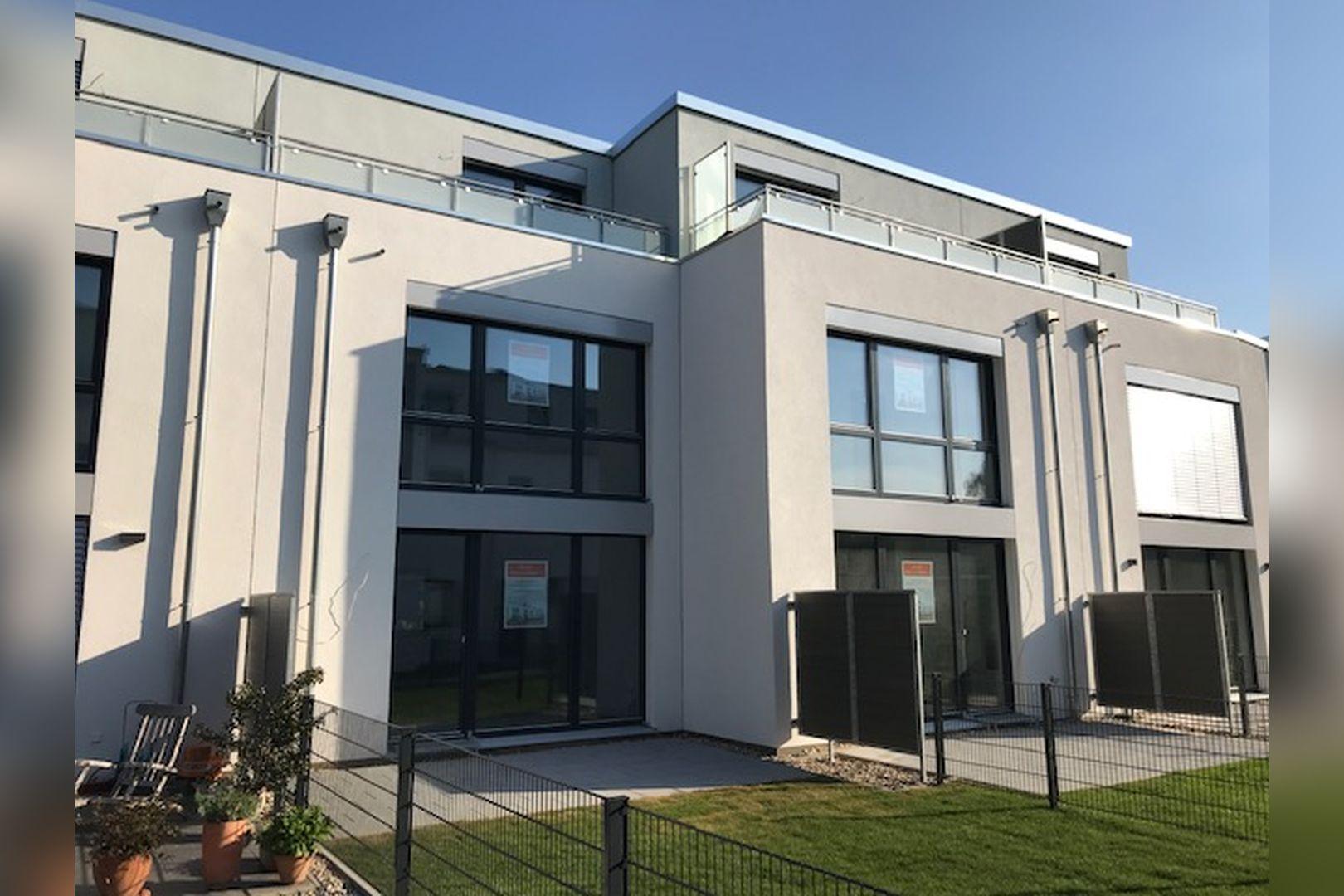 Immobilie Nr.BÖ-11 - BÖ-11; Reihenmittelhaus mit Terrasse, Garten und 2 TG-Stellplätzen - Bild main.jpg