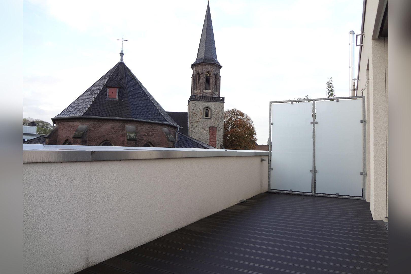 Immobilie Nr.0285 - 3-Zimmer-Maisonettewohnung mit Dachterrasse und TG-Stellplatz - Bild 6.jpg