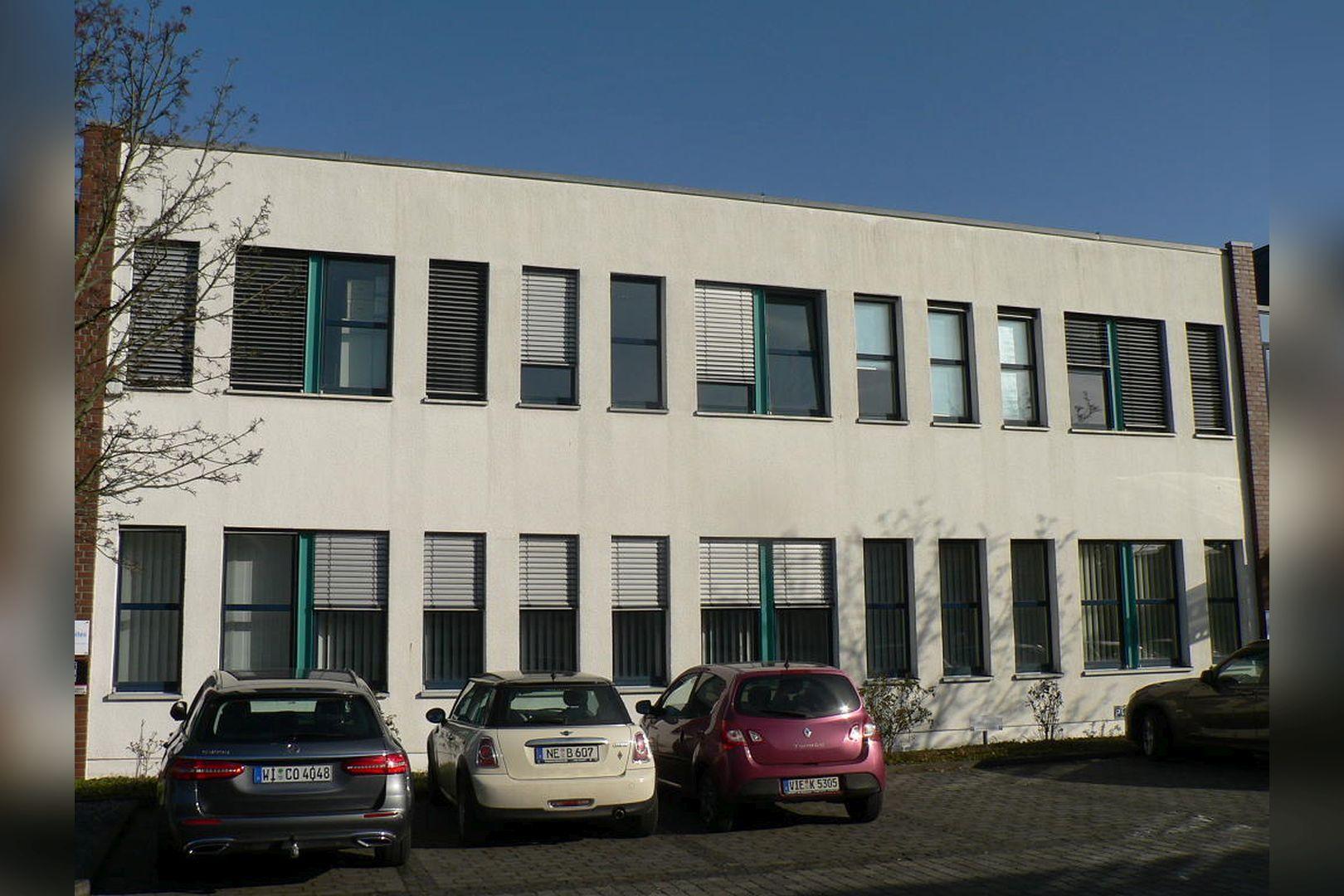 Immobilie Nr.0200 - Gut vermietete Büro- und Praxisflächen mit Tiefgarage und Außenstellplätzen - Bild 11.jpg