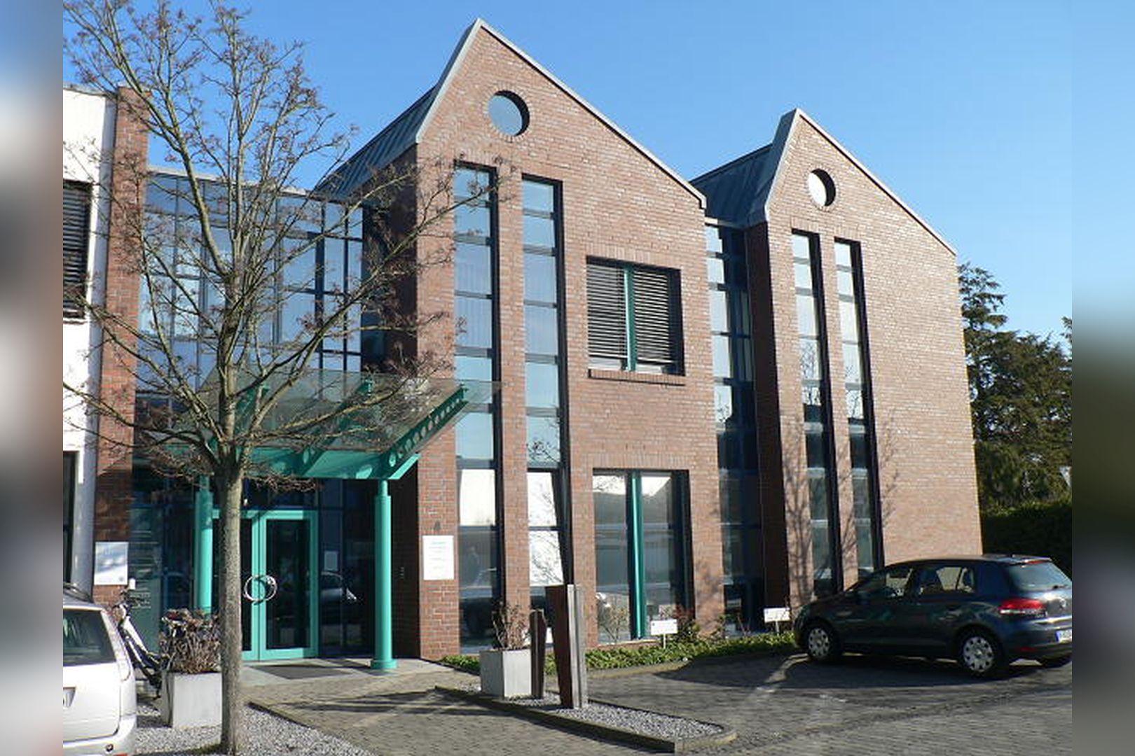 Immobilie Nr.0200 - Gut vermietete Büro- und Praxisflächen mit Tiefgarage und Außenstellplätzen - Bild 12.jpg