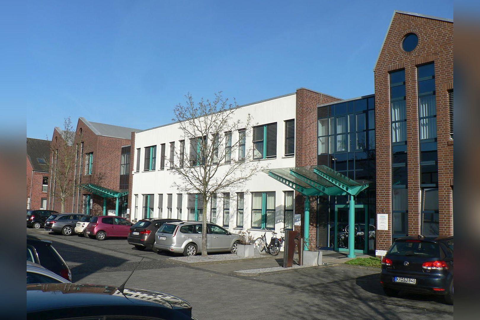 Immobilie Nr.0200 - Gut vermietete Büro- und Praxisflächen mit Tiefgarage und Außenstellplätzen - Bild 13.jpg