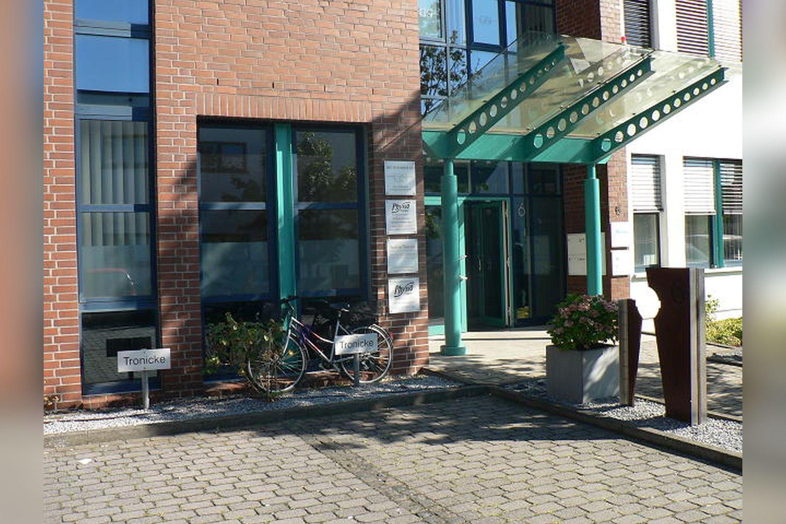 Immobilie Nr.0200 - Gut vermietete Büro- und Praxisflächen mit Tiefgarage und Außenstellplätzen - Bild 15.jpg