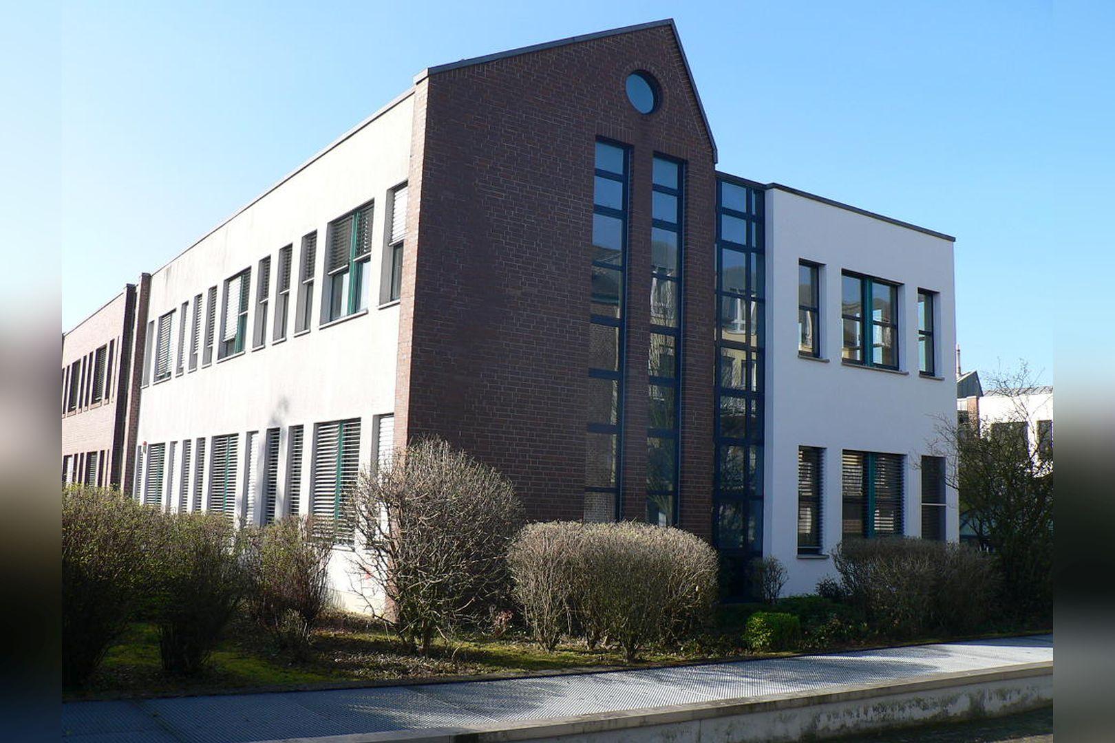 Immobilie Nr.0200 - Gut vermietete Büro- und Praxisflächen mit Tiefgarage und Außenstellplätzen - Bild 4.jpg