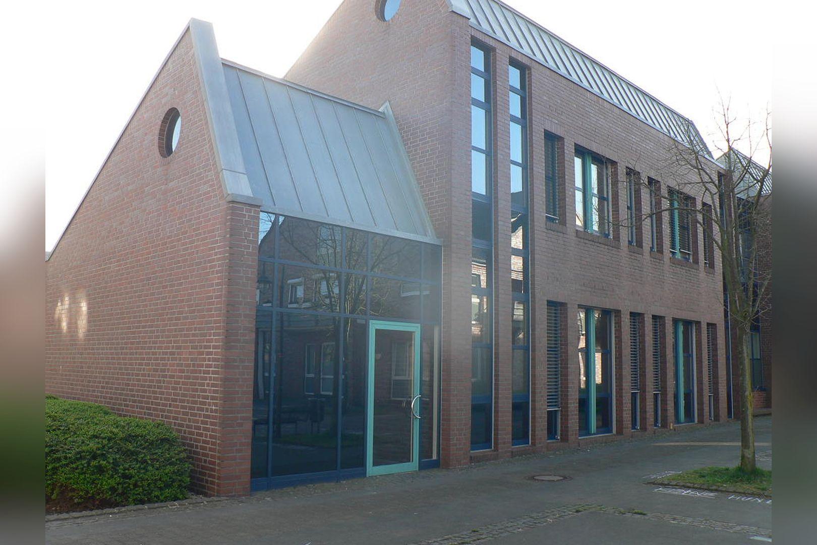 Immobilie Nr.0200 - Gut vermietete Büro- und Praxisflächen mit Tiefgarage und Außenstellplätzen - Bild 5.jpg