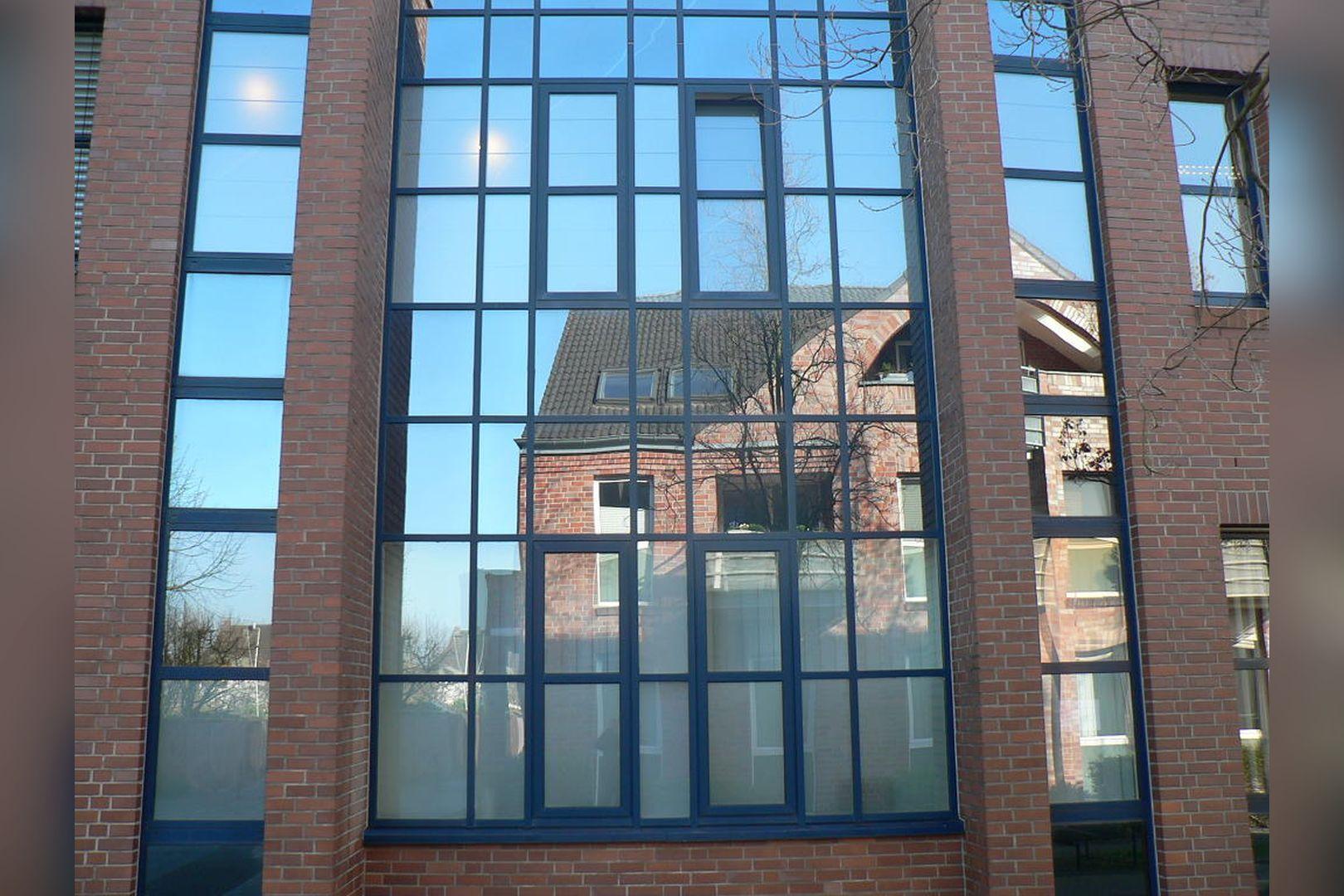 Immobilie Nr.0200 - Gut vermietete Büro- und Praxisflächen mit Tiefgarage und Außenstellplätzen - Bild 6.jpg