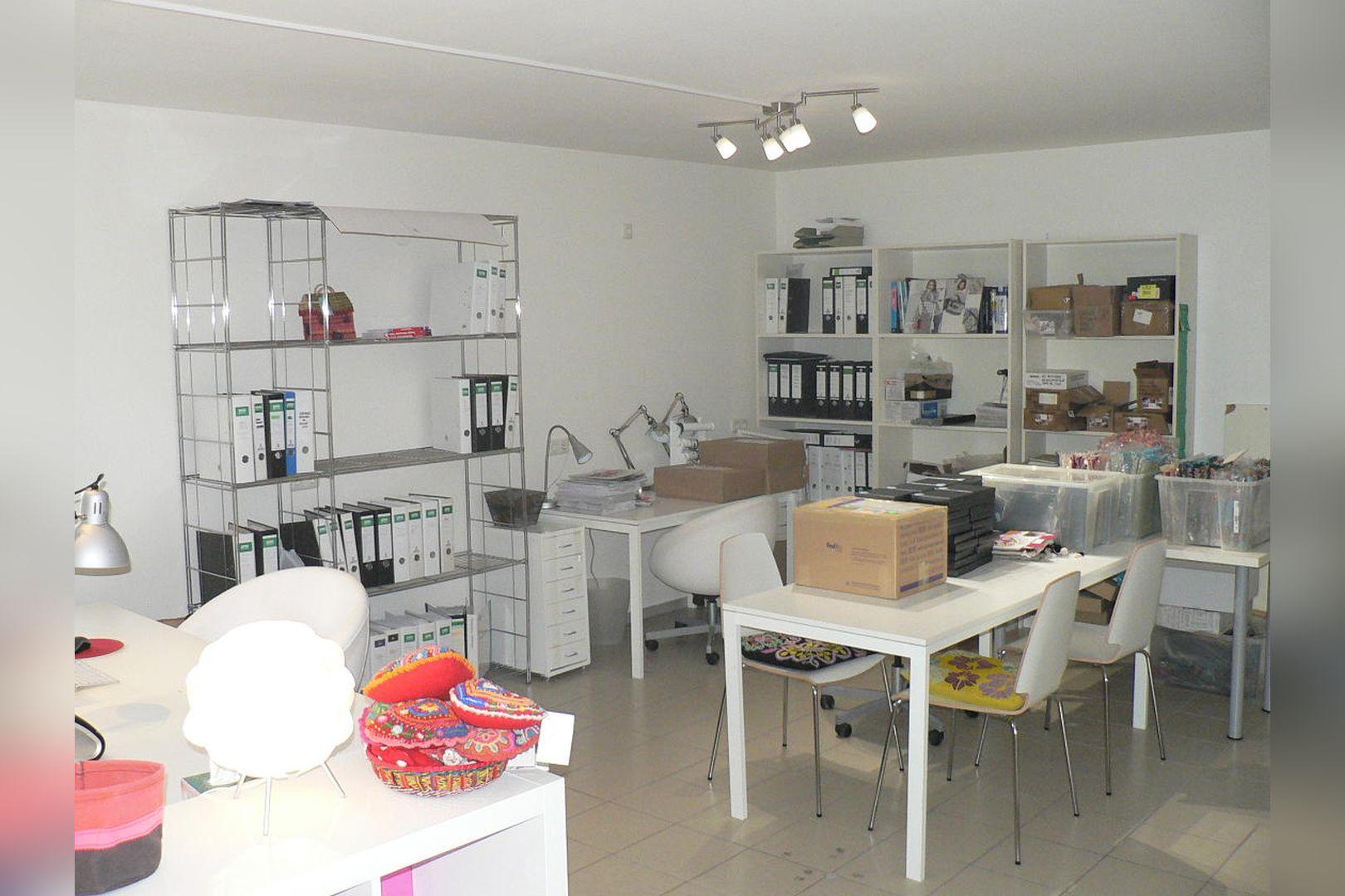 Immobilie Nr.0229 - Ladenlokal mit Lagerflächen, Teeküche, WC-Anlage u. Stellplatz - Bild 7.jpg