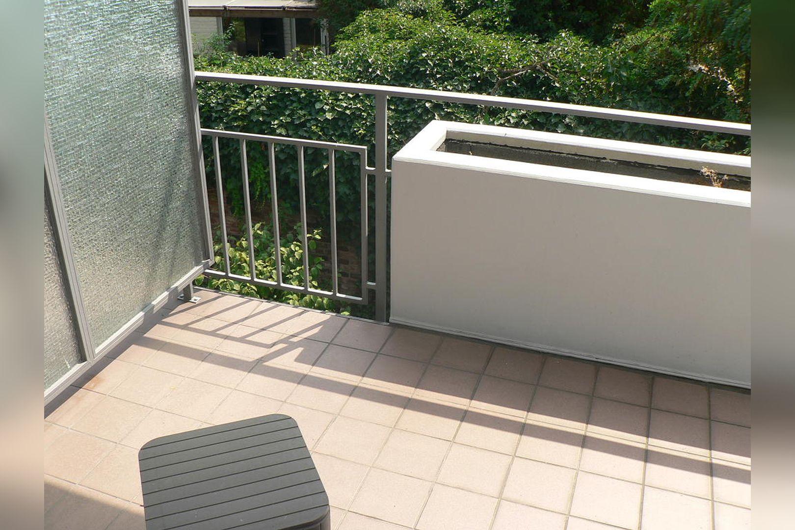 Immobilie Nr.0234 - 1 - Raum - Bürofläche mit Aktenkeller und Balkon - Bild 2.jpg