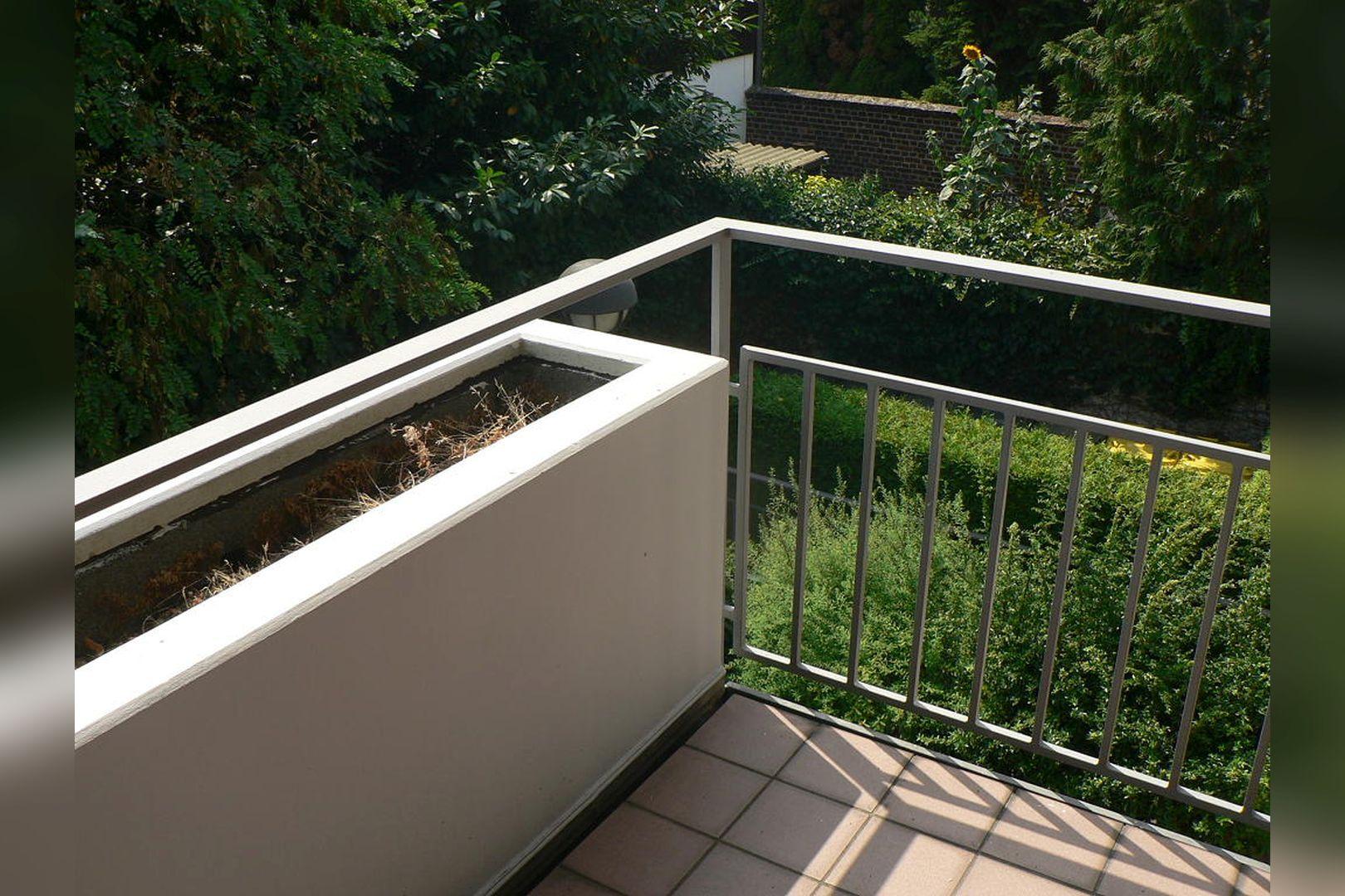 Immobilie Nr.0234 - 1 - Raum - Bürofläche mit Aktenkeller und Balkon - Bild 3.jpg