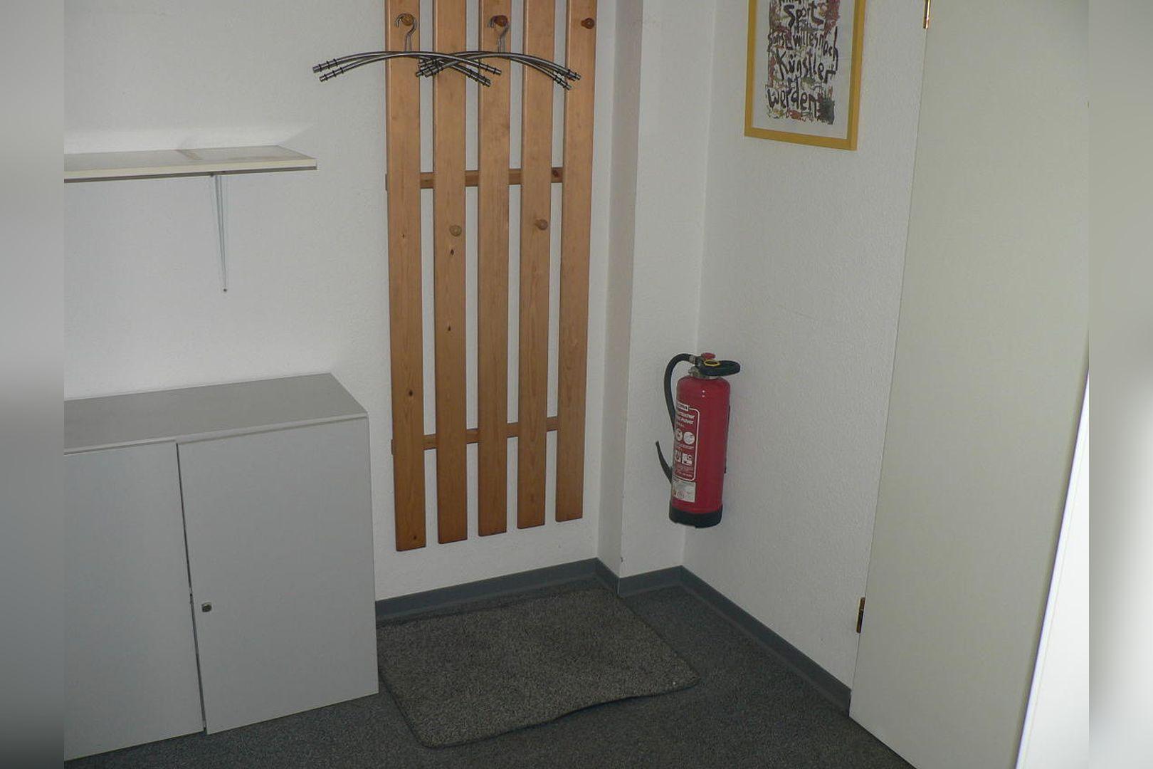 Immobilie Nr.0234 - 1 - Raum - Bürofläche mit Aktenkeller und Balkon - Bild 8.jpg