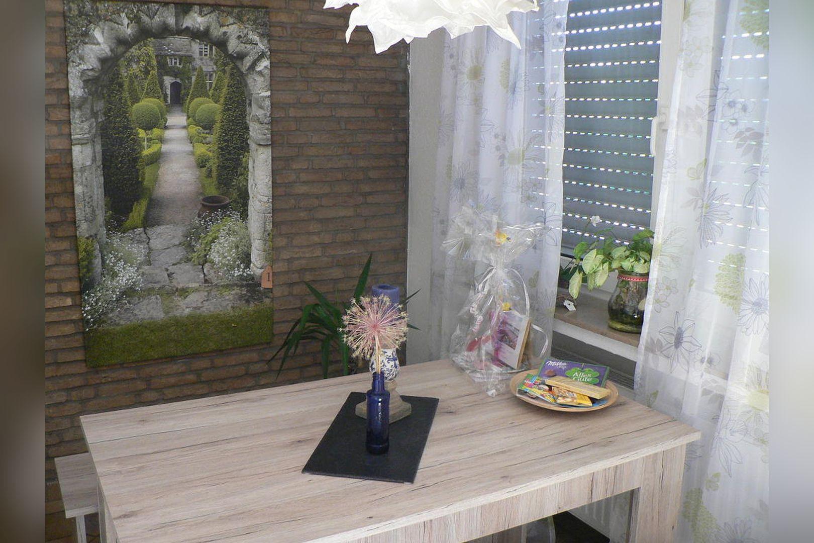 Immobilie Nr.305 - 2,5-Zimmer-Wohnung mit Balkon in 4-Part.-Haus - Bild 10.jpg