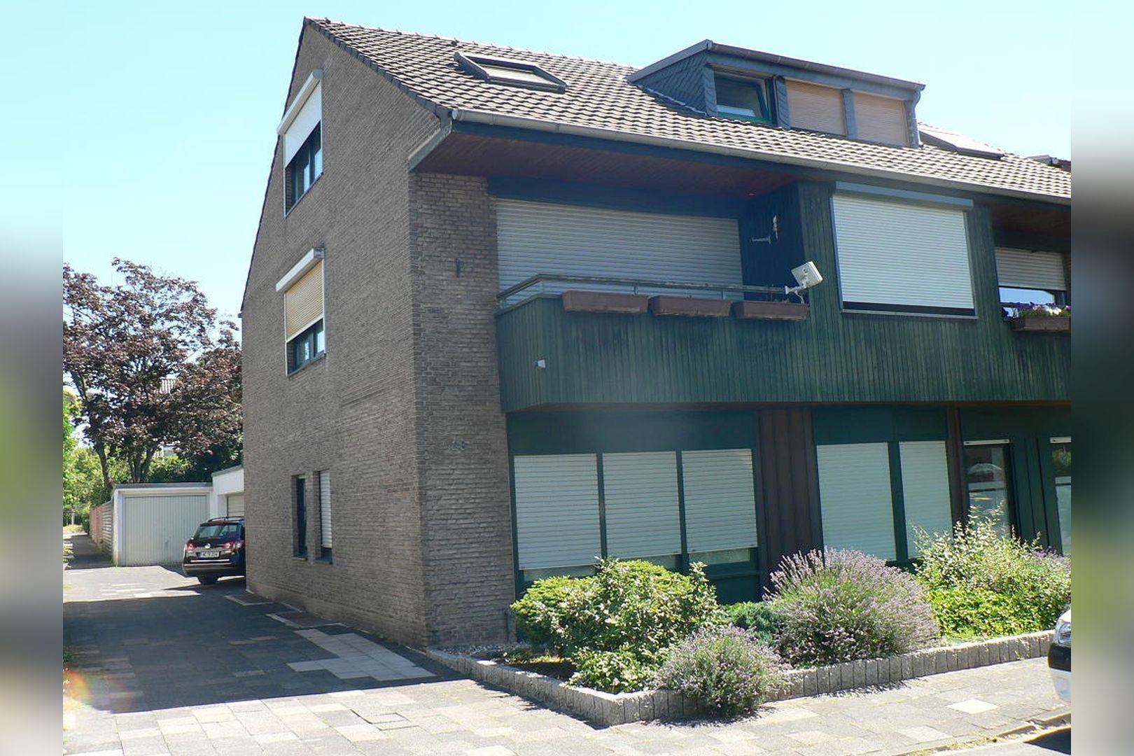 Immobilie Nr.305 - 2,5-Zimmer-Wohnung mit Balkon in 4-Part.-Haus - Bild 18.jpg