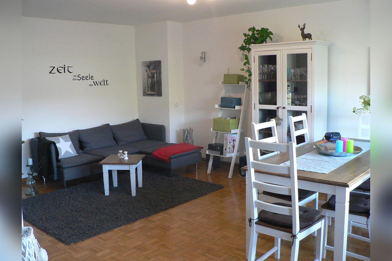 Immobilie Nr.305 - 2,5-Zimmer-Wohnung mit Balkon in 4-Part.-Haus - Bild 3.jpg