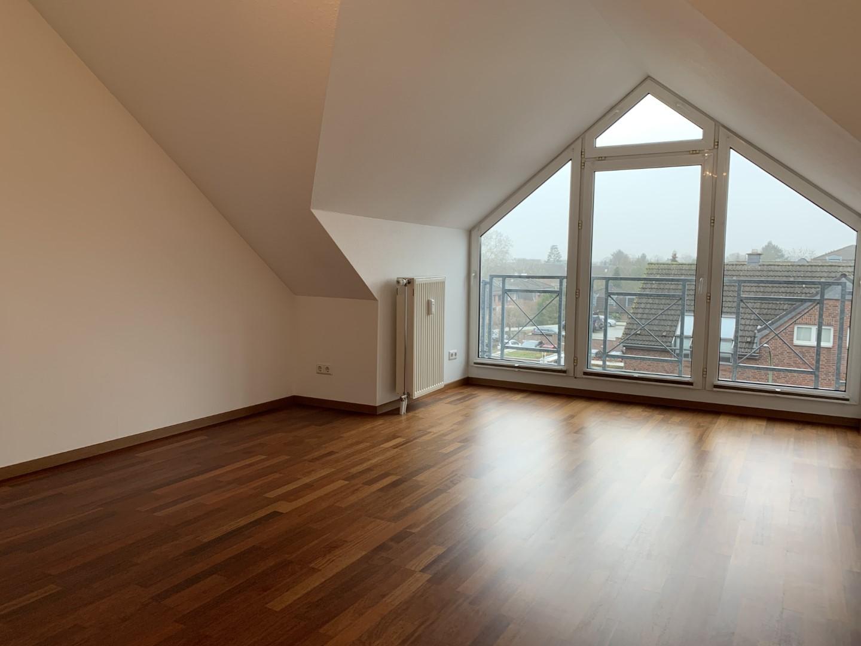 Immobilie Nr.0299 - 3-Zimmer-Wohnung über 2 Ebenen mit Balkon - Bild 13.jpg