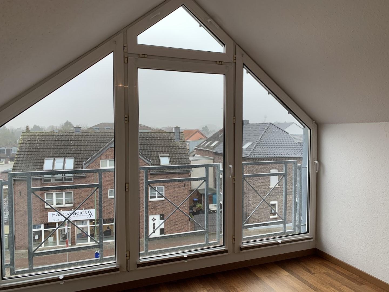 Immobilie Nr.0299 - 3-Zimmer-Wohnung über 2 Ebenen mit Balkon - Bild 14.jpg