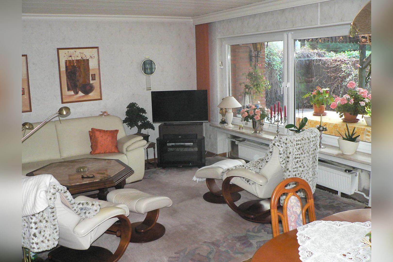 Immobilie Nr.0243 - Reihenendhaus 2-geschossig mit Vollkeller und Garage  - Bild 14.jpg