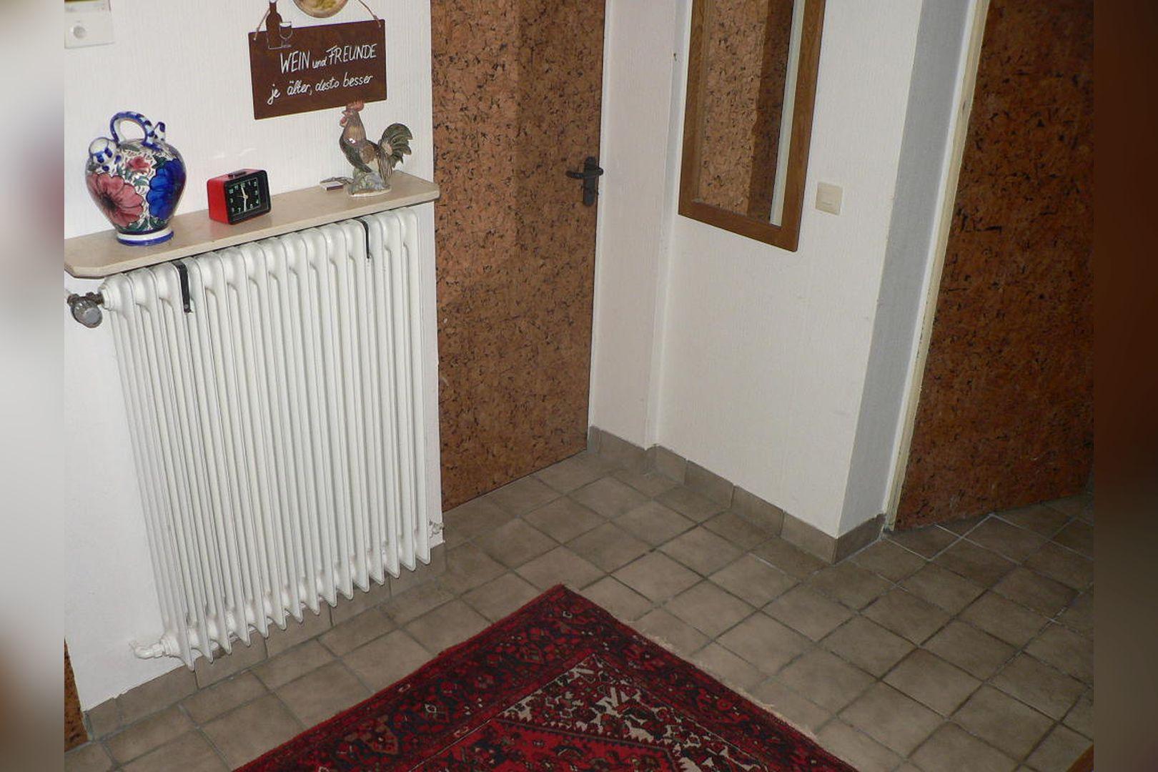 Immobilie Nr.0243 - Reihenendhaus 2-geschossig mit Vollkeller und Garage  - Bild 8.jpg