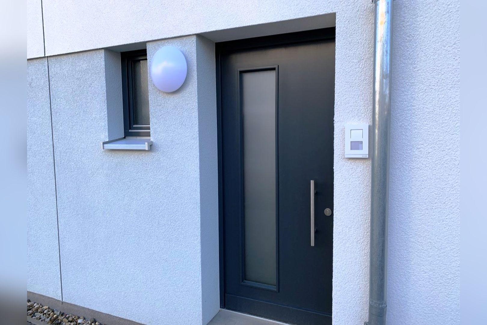 Immobilie Nr.0224 - Reihenendhaus mit kl. Garten u. 2 TG-Plätzen - Bild 16.jpg
