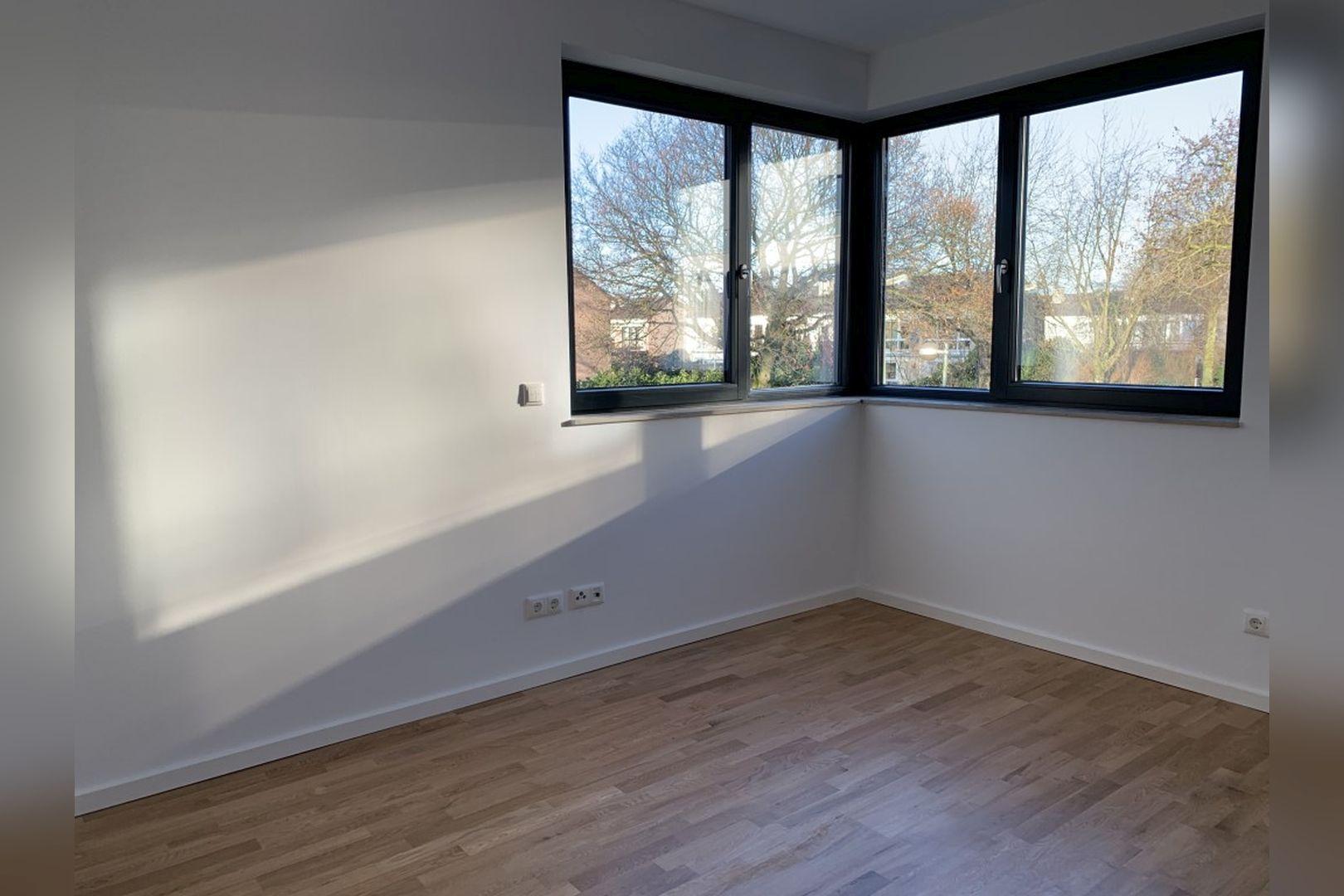 Immobilie Nr.0224 - Reihenendhaus mit kl. Garten u. 2 TG-Plätzen - Bild 7.jpg