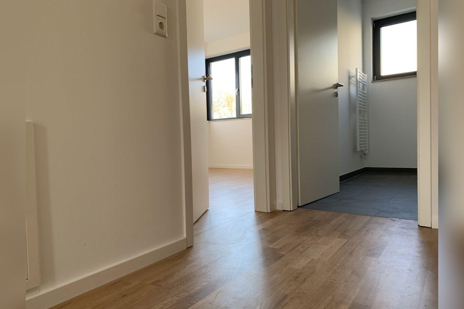 Immobilie Nr.0224 - Reihenendhaus mit kl. Garten u. 2 TG-Plätzen - Bild 9.jpg