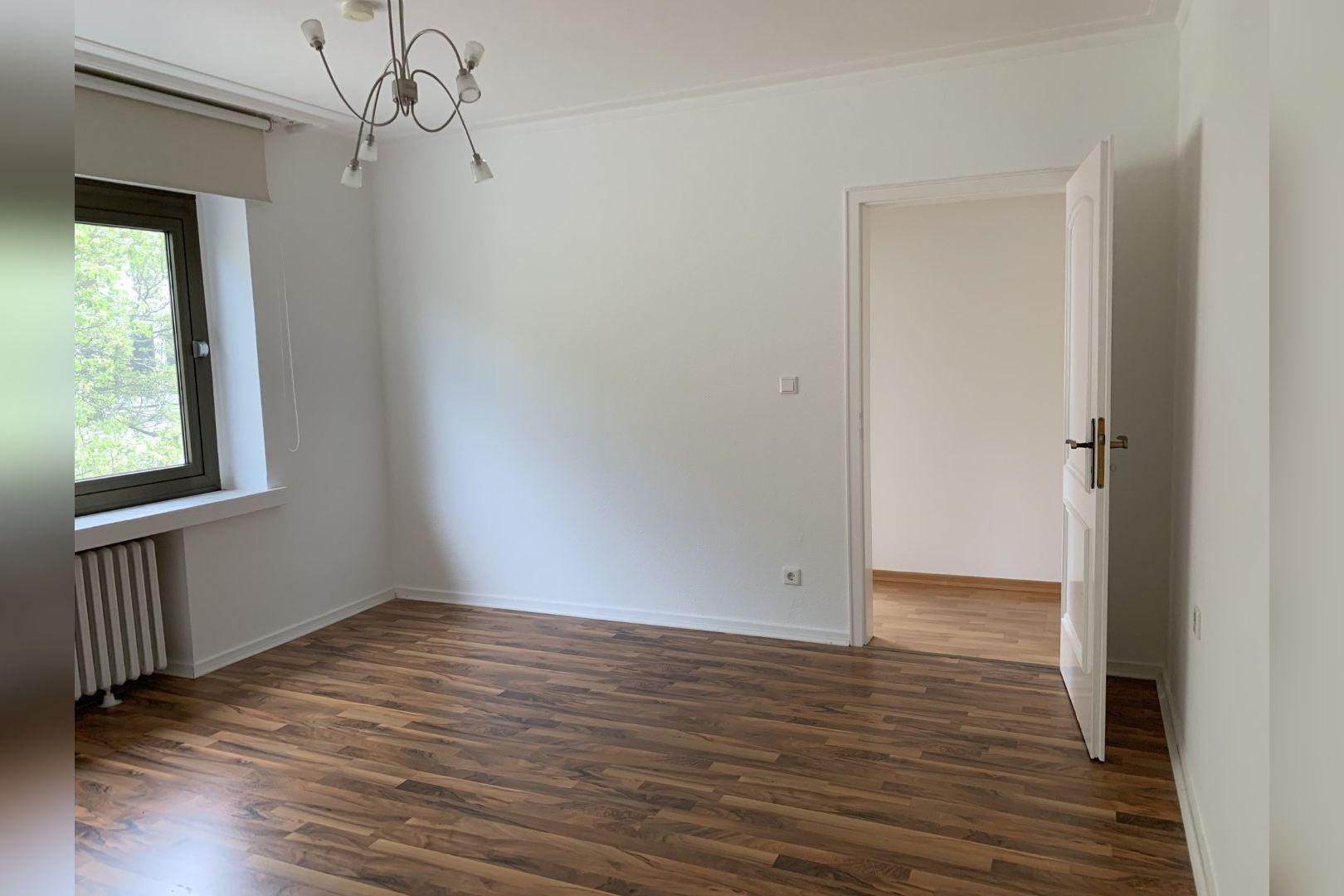 Immobilie Nr.0286 - 2,5 Zimmer Wohnung mit großem Balkon. - Bild 2.jpg