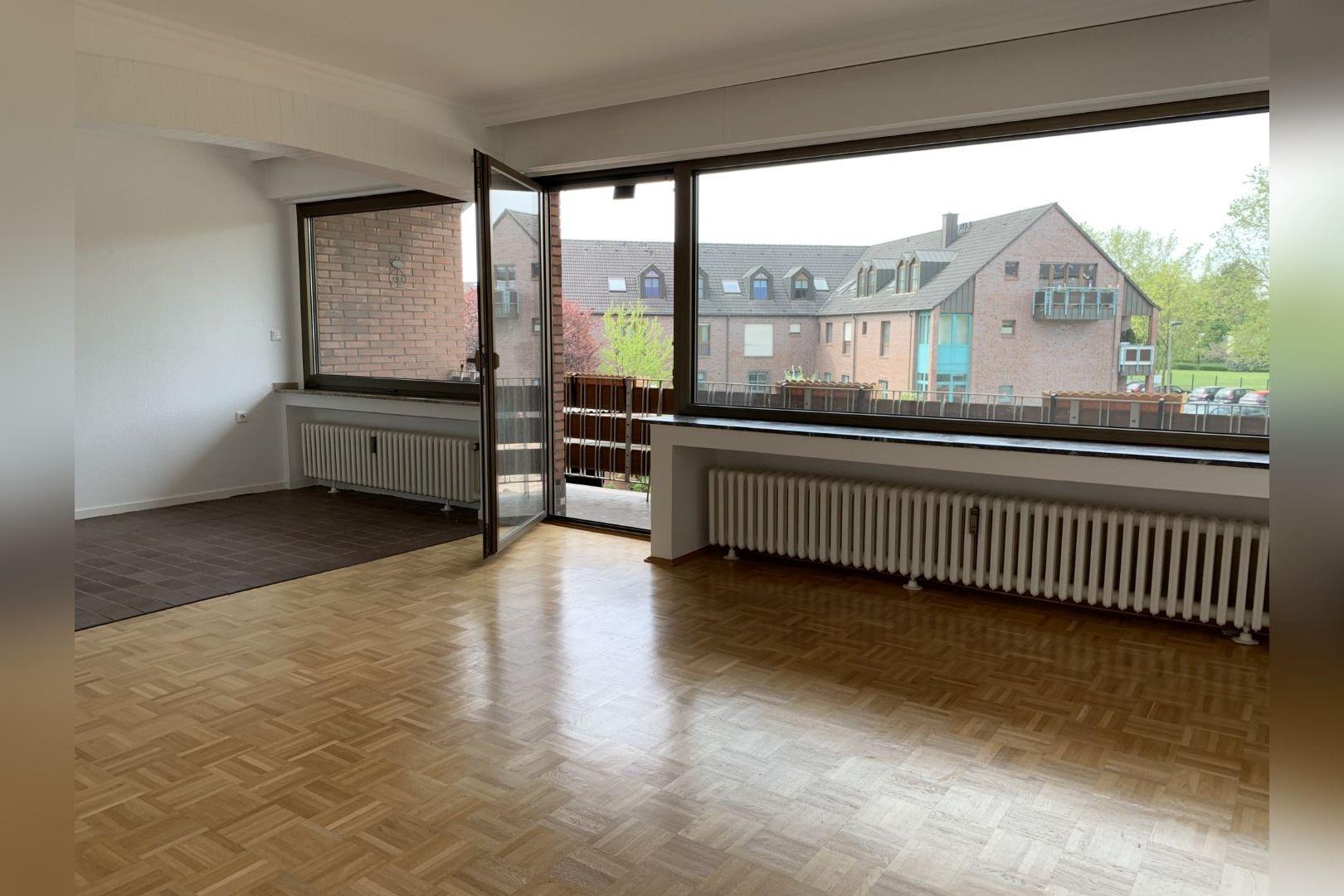 Immobilie Nr.0286 - 2,5 Zimmer Wohnung mit großem Balkon. - Bild 4.jpg