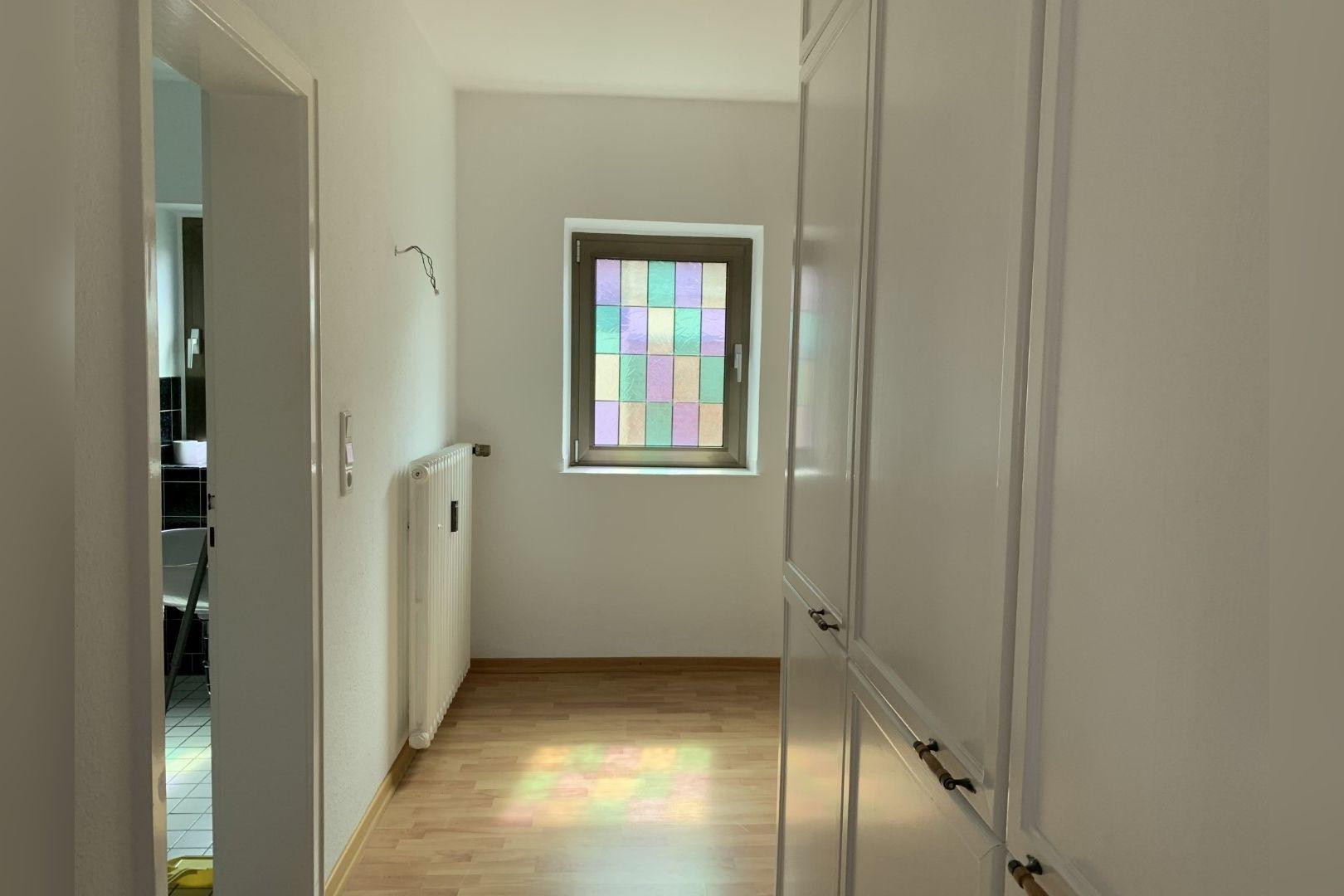 Immobilie Nr.0286 - 2,5 Zimmer Wohnung mit großem Balkon. - Bild 8.jpg