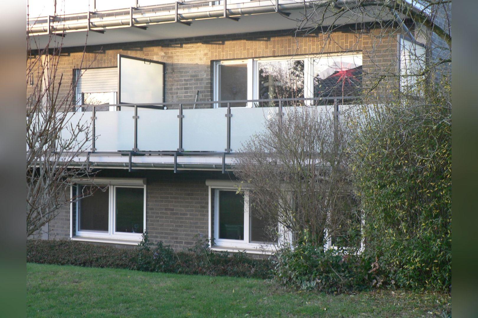 Immobilie Nr.0247 - Maisonette-Whg. über EG u. Sout. mit Loggia u. Garage  - Bild 2.jpg