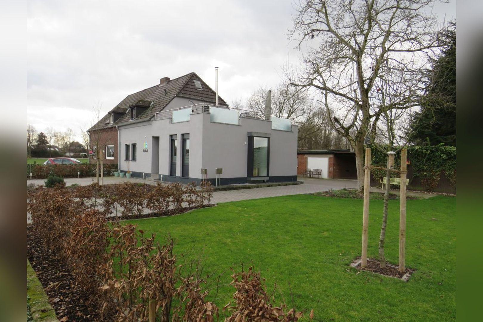 Immobilie Nr.0248 - Doppelhaushälfte mit eingeschossigem Anbau, Garten & Dachterrasse - Bild 15.jpg