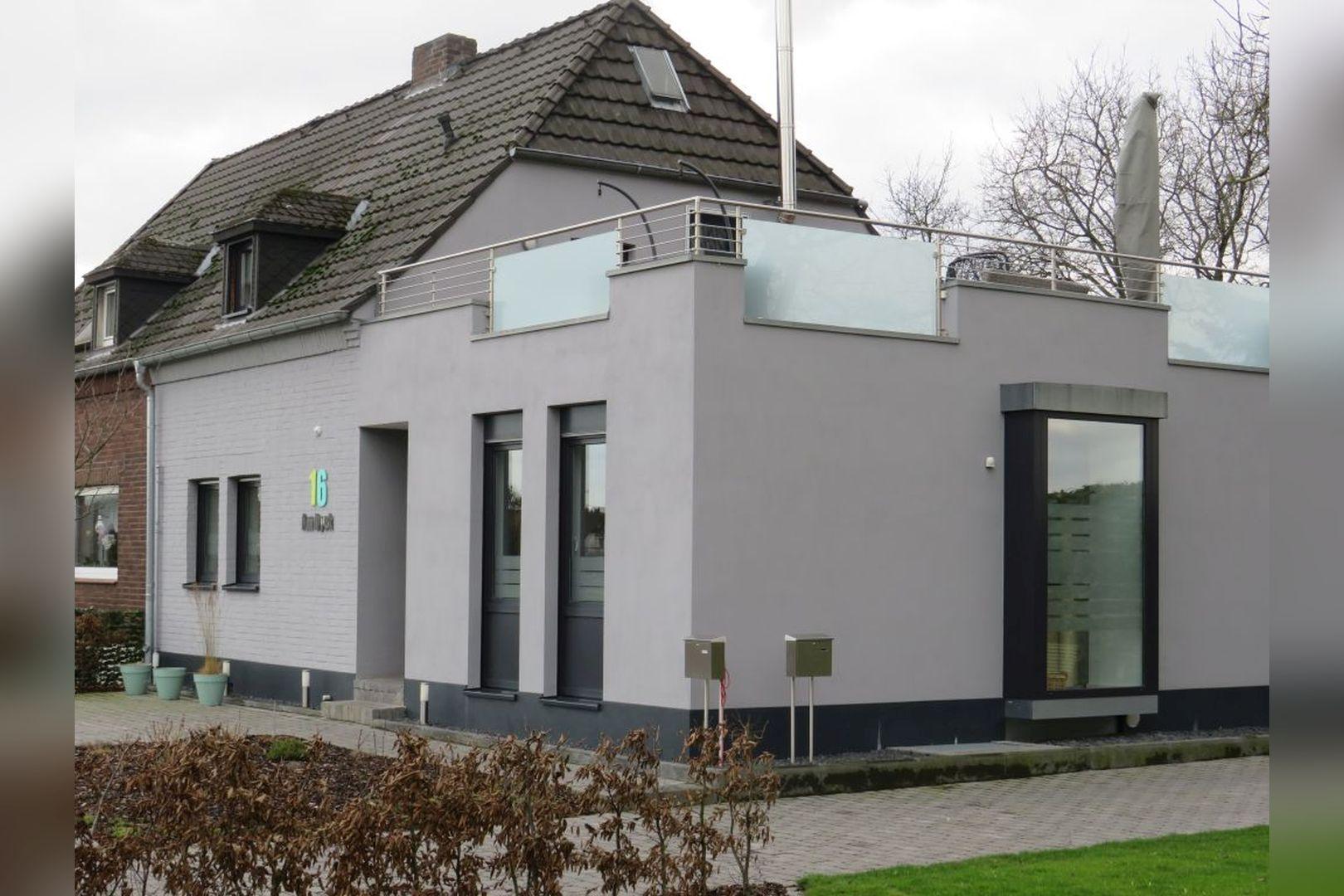 Immobilie Nr.0248 - Doppelhaushälfte mit eingeschossigem Anbau, Garten & Dachterrasse - Bild 17.jpg