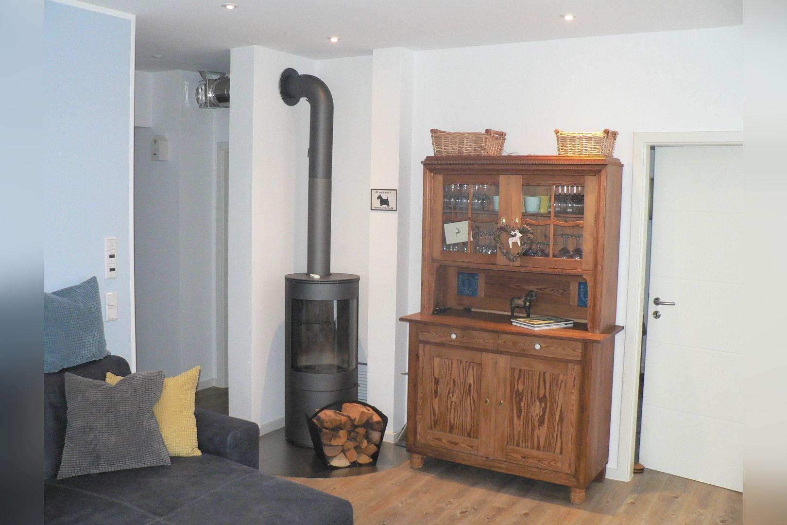 Immobilie Nr.0248 - Doppelhaushälfte mit eingeschossigem Anbau, Garten & Dachterrasse - Bild 3.jpg