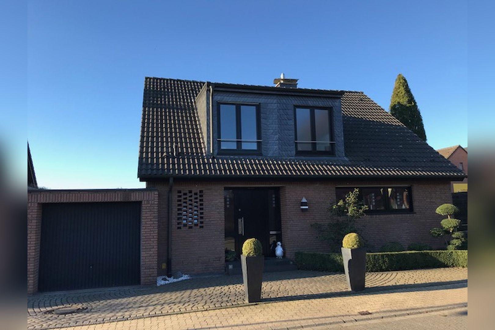 Immobilie Nr.0249 - Freisteh. EFH über EG, DG und UG in Wohnqualität - Bild 3.jpg
