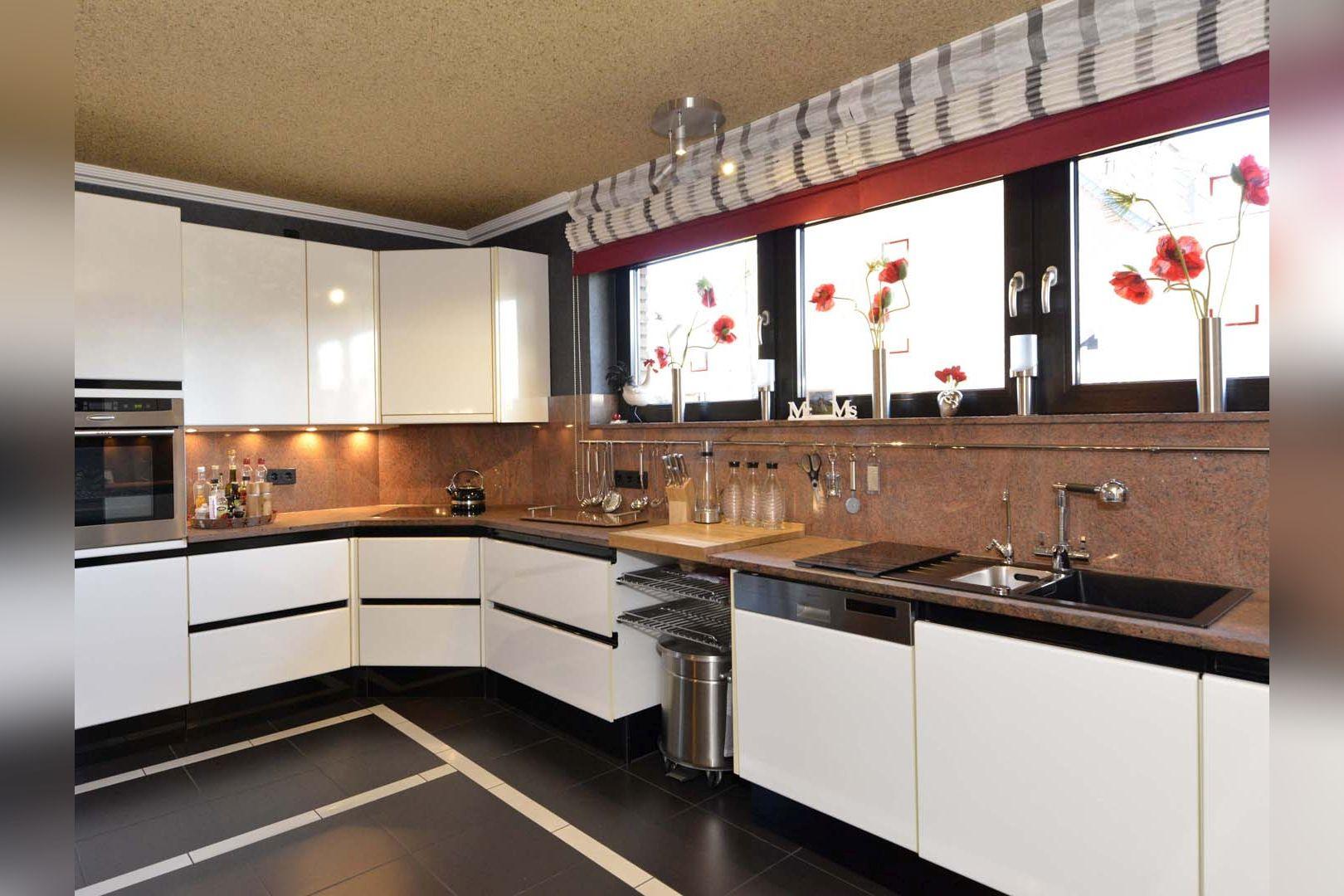 Immobilie Nr.0249 - Freisteh. EFH über EG, DG und UG in Wohnqualität - Bild 9.jpg