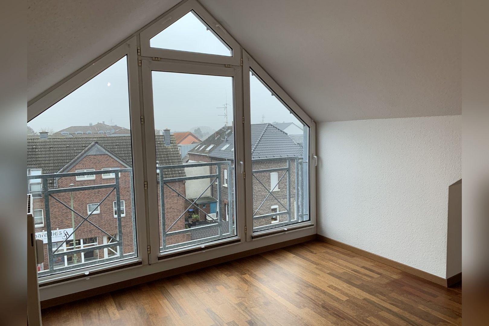 Immobilie Nr.0253 - 3-Zimmer-Maisonette-Wohnung  - Bild 2.jpg