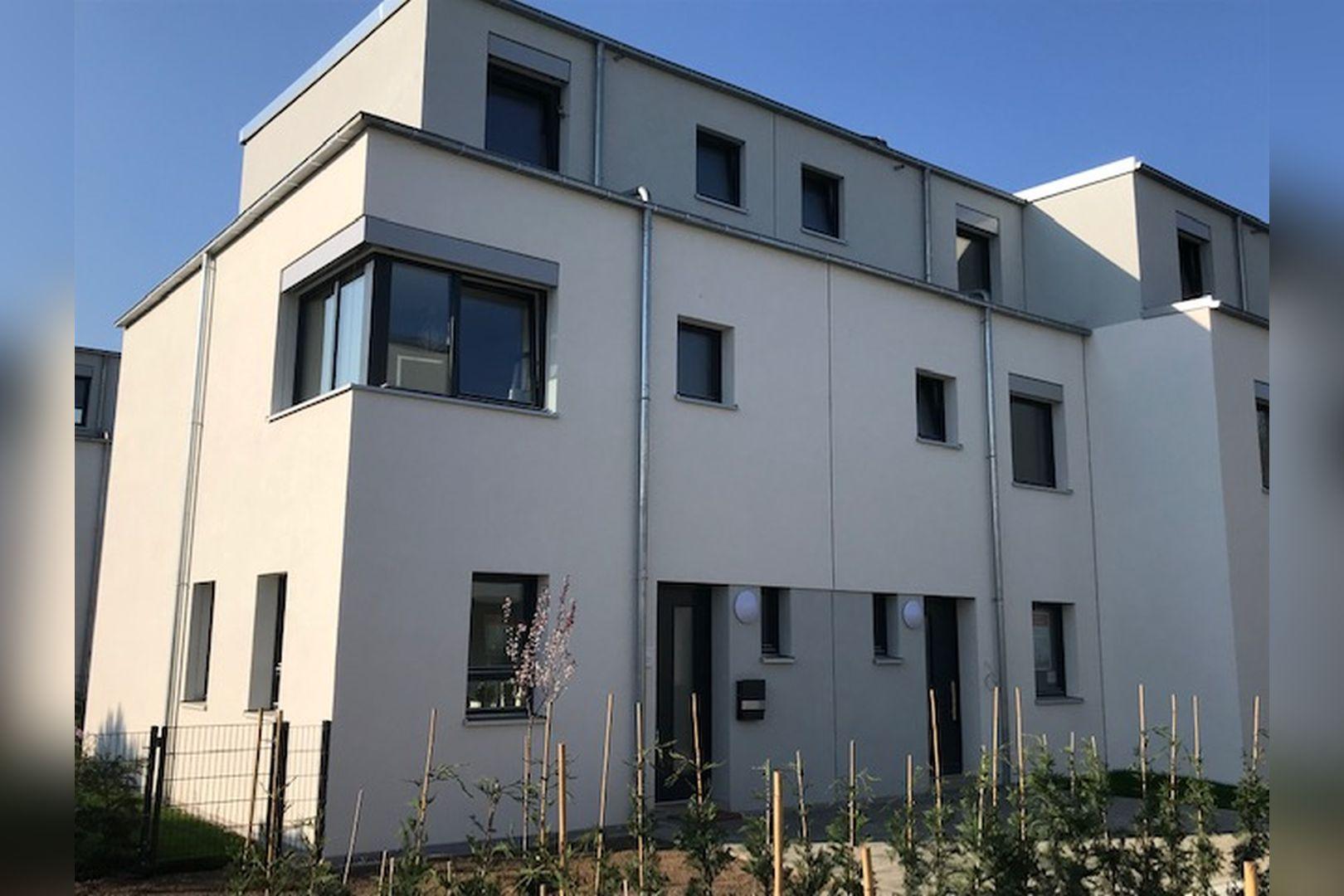 Immobilie Nr.BÖ-07 - BÖ-07; Reihenend-Mittelhaus mit Garten, Dachterrasse u. Garagenzugang  - Bild 2.jpg