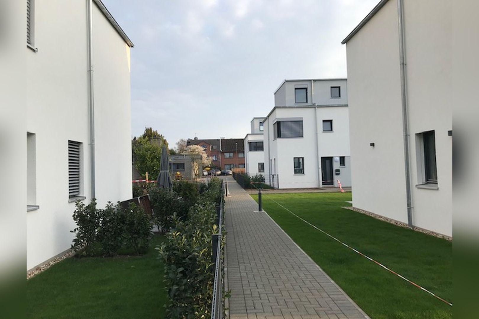 Immobilie Nr.BÖ-07 - BÖ-07; Reihenend-Mittelhaus mit Garten, Dachterrasse u. Garagenzugang  - Bild 6.jpg