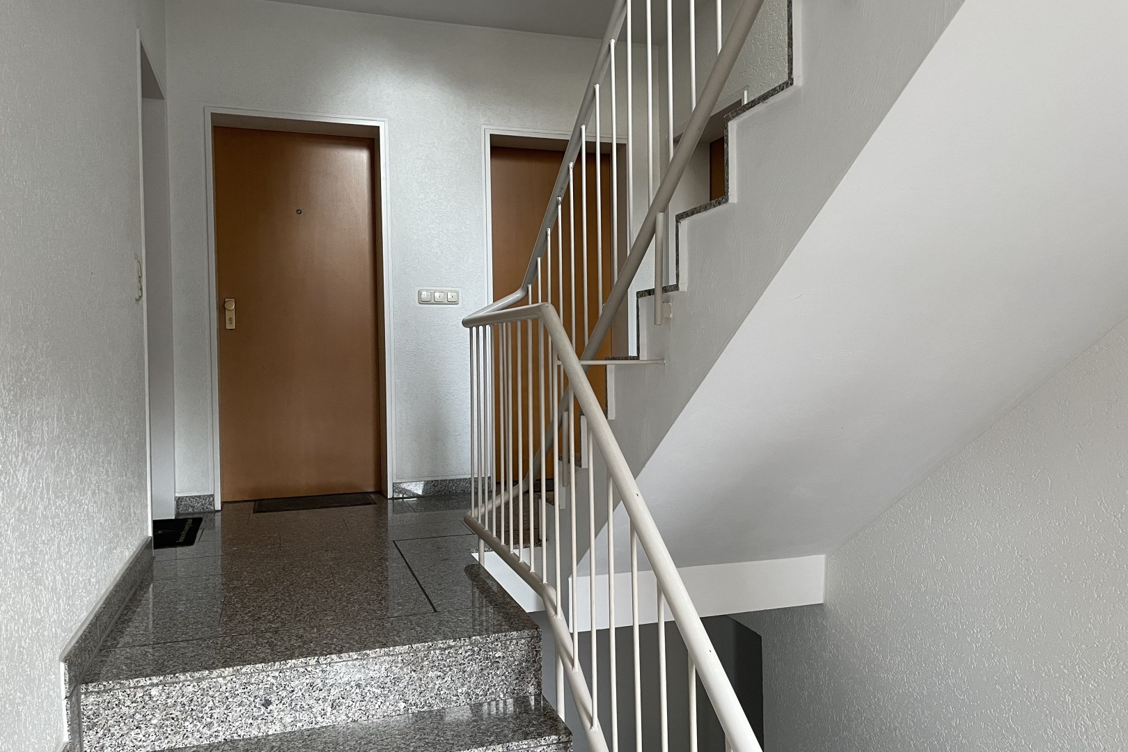Immobilie Nr.0258 - 2-Zimmerwohnung  - Bild 2.jpg