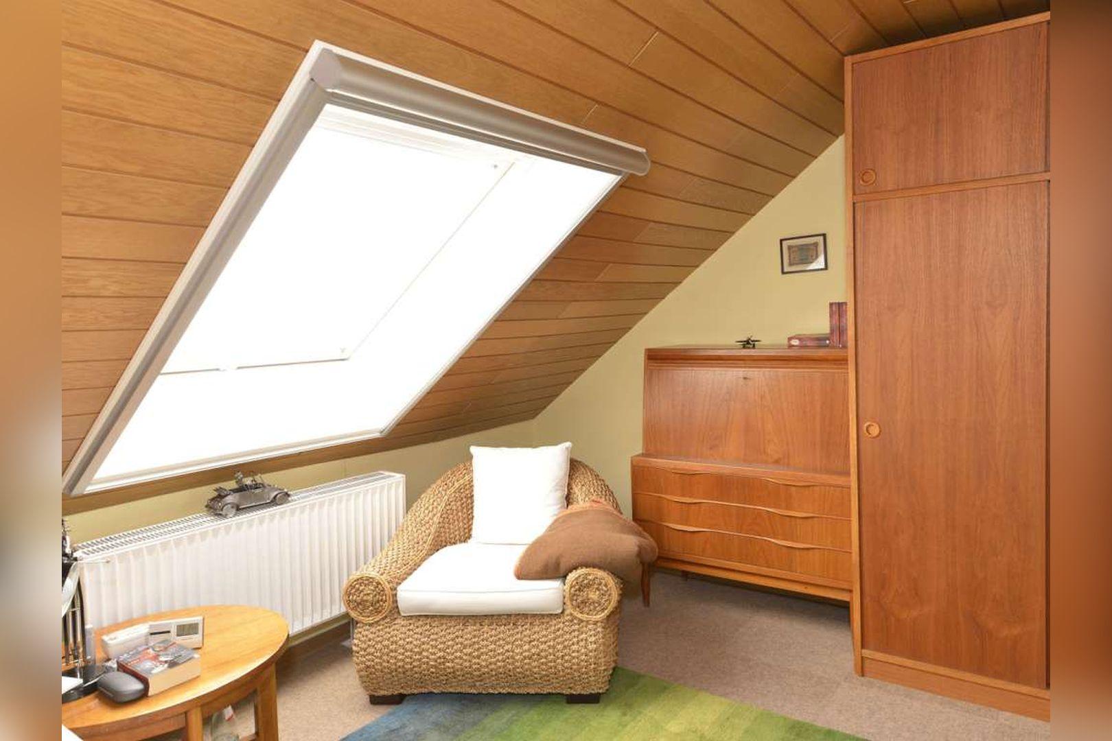 Immobilie Nr.0254 - Doppelhaushälfte rechtsbündig mit Garage & Carport  - Bild 14.jpg