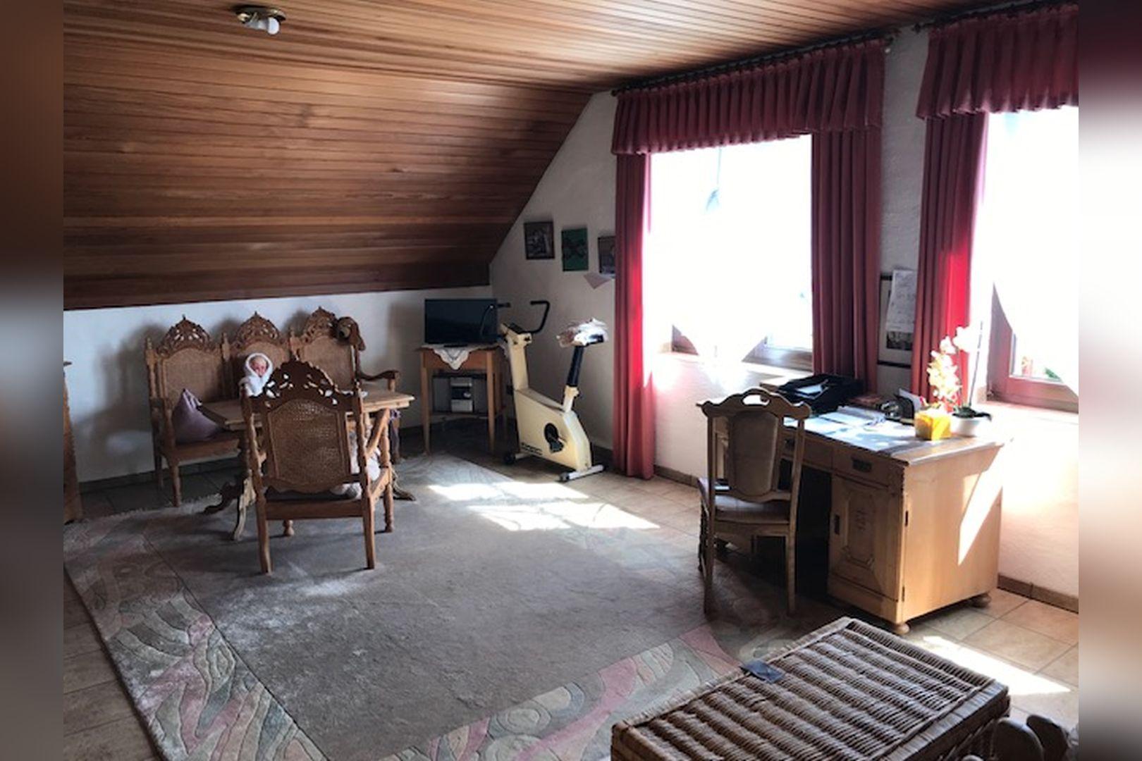 Immobilie Nr.0259 - Freistehendes EFH mit Vollkeller und Garage - Bild 14.jpg