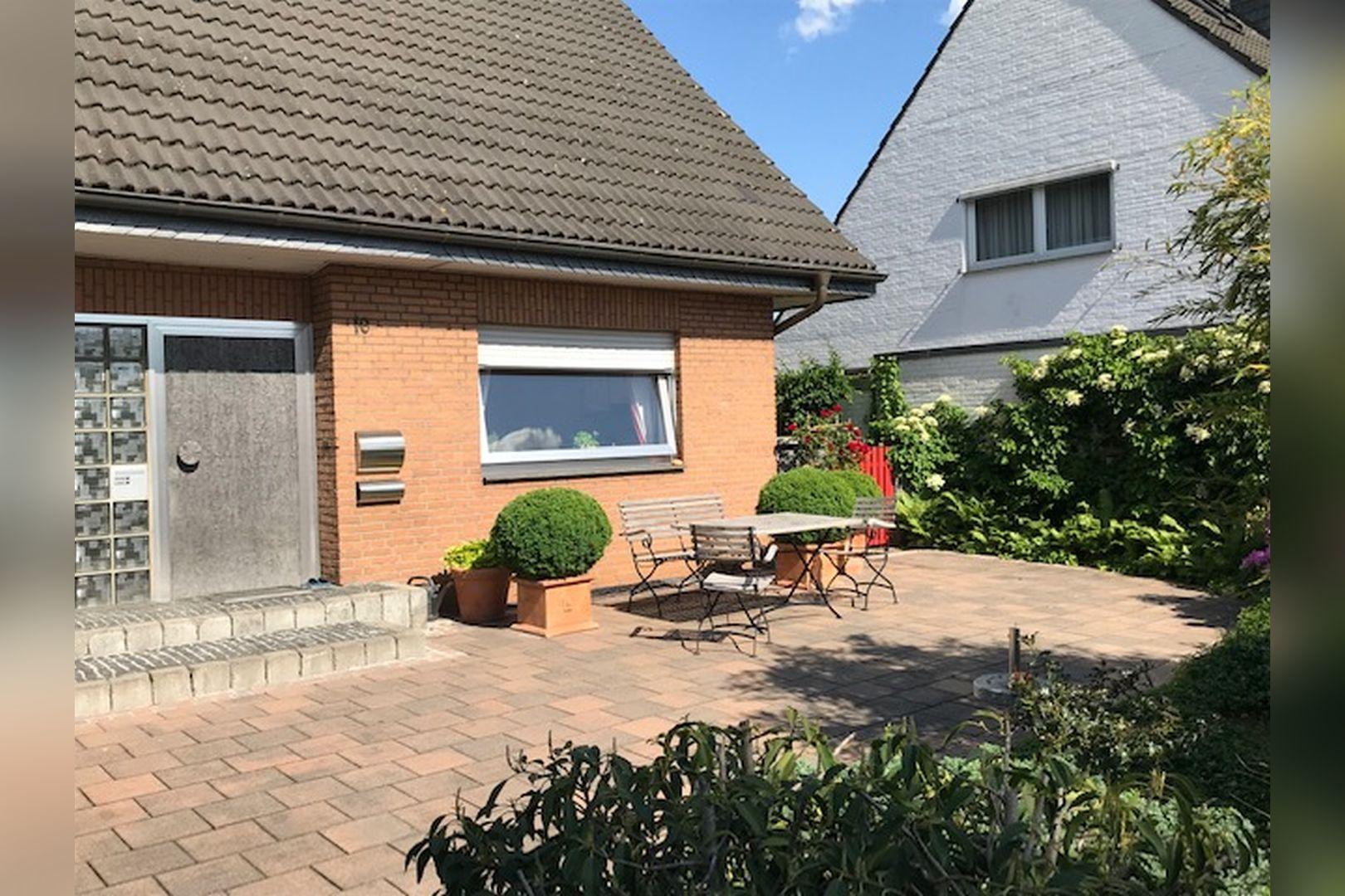 Immobilie Nr.0260 - Einfamilienhaus, zum 2-FH erweiterbar. Spitzboden als zusätzl. Ausbaureserve - Bild 3.jpg