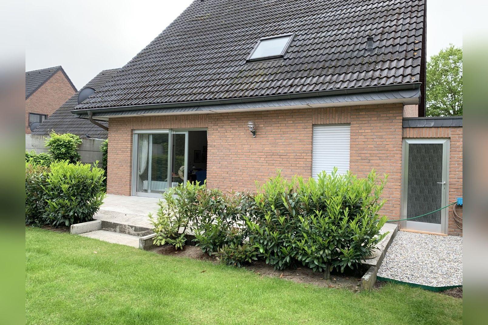 Immobilie Nr.0260 - Einfamilienhaus, zum 2-FH erweiterbar. Spitzboden als zusätzl. Ausbaureserve - Bild 4.jpg