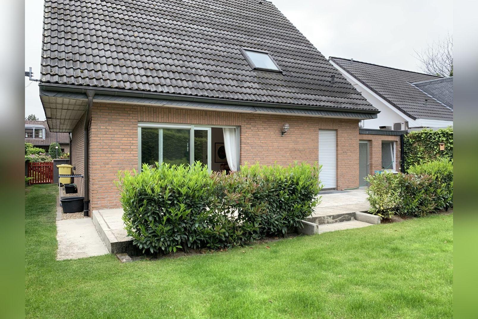 Immobilie Nr.0260 - Einfamilienhaus, zum 2-FH erweiterbar. Spitzboden als zusätzl. Ausbaureserve - Bild 5.jpg