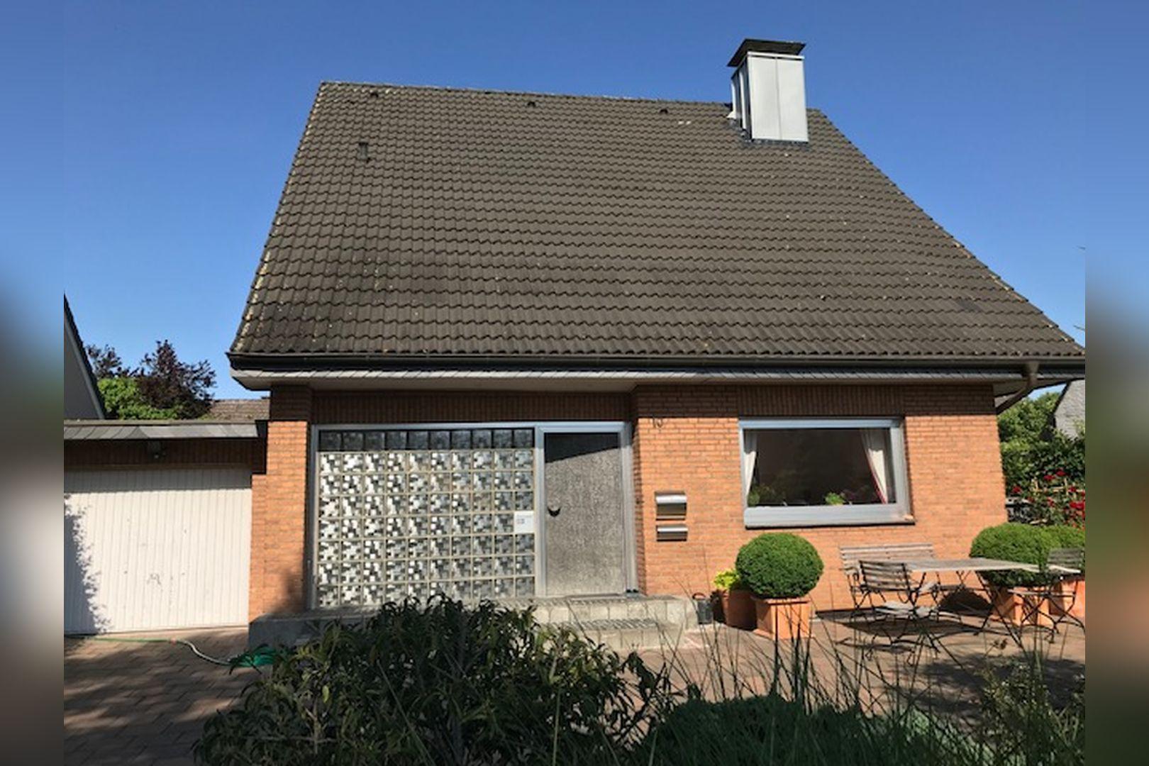 Immobilie Nr.0260 - Einfamilienhaus, zum 2-FH erweiterbar. Spitzboden als zusätzl. Ausbaureserve - Bild main.jpg