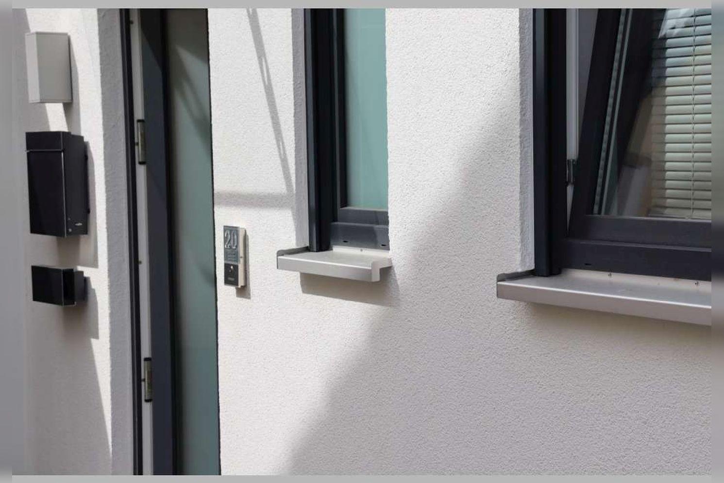 Immobilie Nr.0267 - Doppelhaushälfte mit 4 Zimmern, Küche, Diele, Badzimmer, Gäste-WC, Garten und Garage - nicht unterkellert - Bild 2.jpg