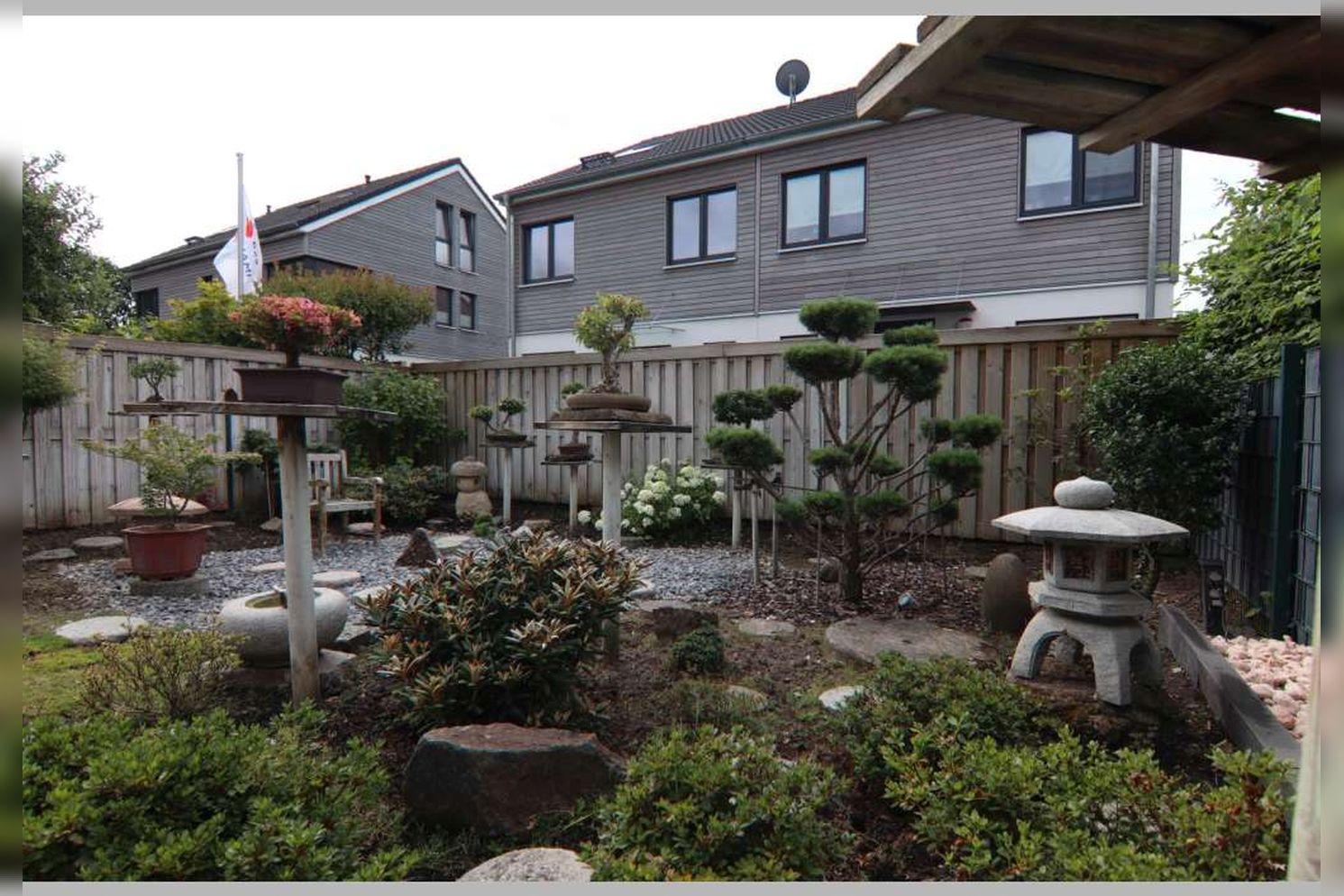 Immobilie Nr.0267 - Doppelhaushälfte mit 4 Zimmern, Küche, Diele, Badzimmer, Gäste-WC, Garten und Garage - nicht unterkellert - Bild 6.jpg